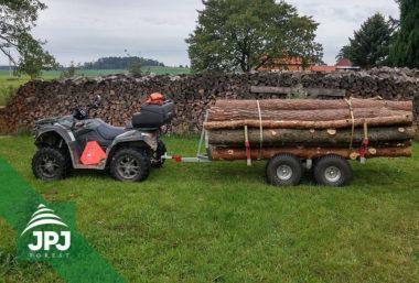 Malá vyvážečka Dřevař a pracovní čtyřkolka